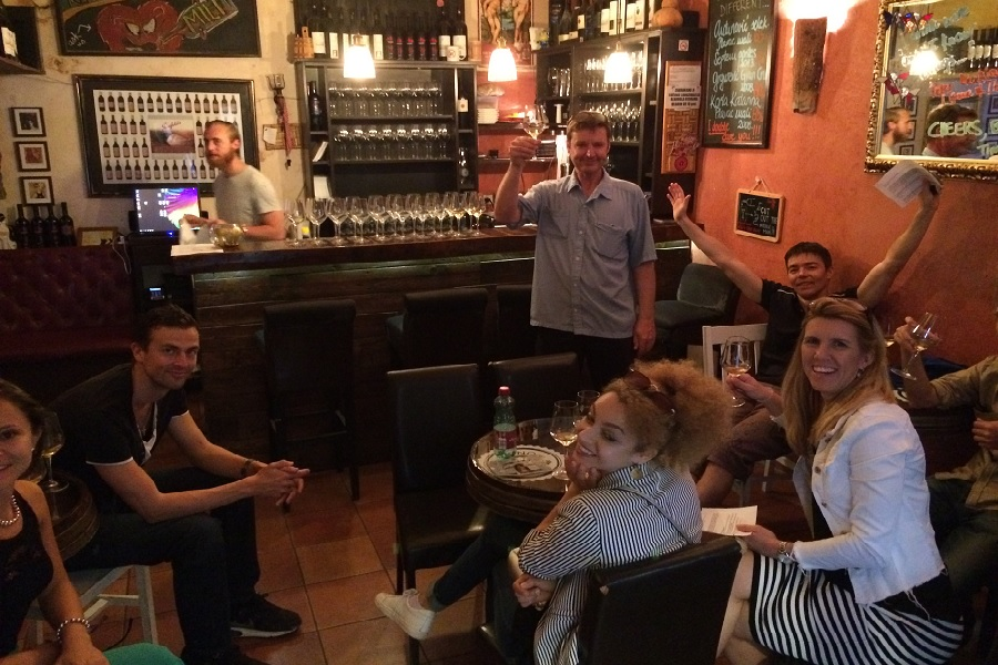Wine tasting group activity for team buidling